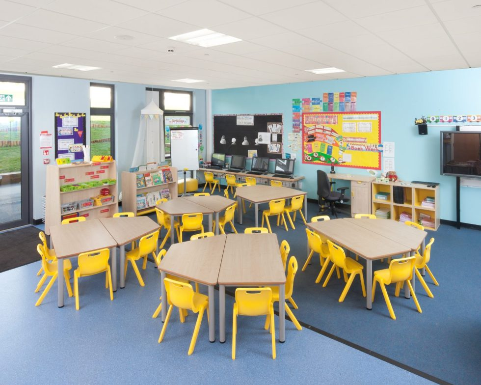 modern-and-funky-school-classroom-furniture-solutions-1500x1200